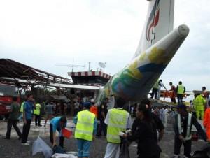 L'aereo schiantato al suolo