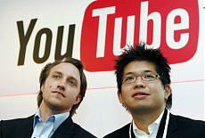 A sinistra Chad Hurley, co-fondatore di YouTube