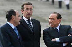 Il presidente della Camera Fini con il premier Berlusconi