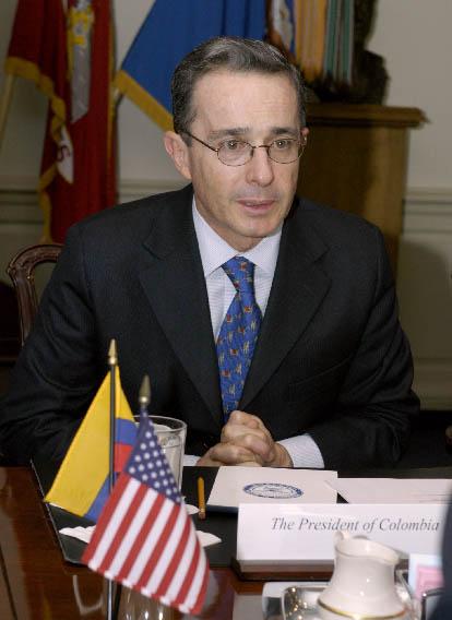 Alvaro Uribe, presidente della Colombia