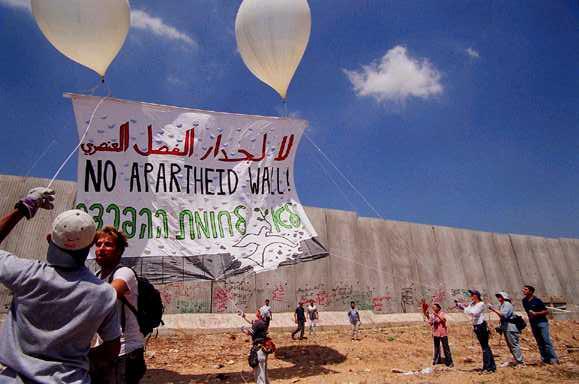 Protesta contro il muro di Bil'in